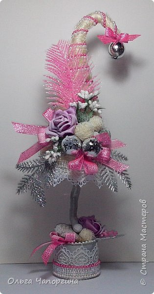 Добрый день, уважаемые коллеги! Изменяя полимерной глине, захотелось новогоднего настроения и новых рукоделок: никогда не делала ёлки. Вот получились такие варианты. фото 5