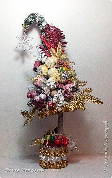 Добрый день, уважаемые коллеги! Изменяя полимерной глине, захотелось новогоднего настроения и новых рукоделок: никогда не делала ёлки. Вот получились такие варианты. фото 7