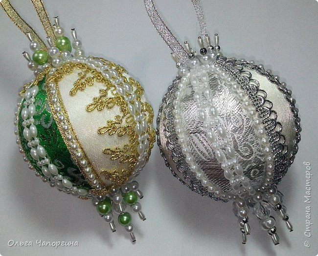 Добрый день! Покажу несколько ёлочных шаров. В основе - техника кимекоми, а покрывают эту японскую хитрость обычные украшалки, которые есть у любой рукодельницы.   фото 6