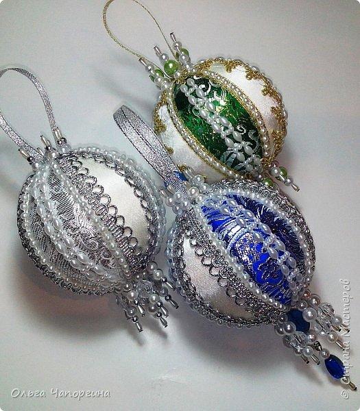 Добрый день! Покажу несколько ёлочных шаров. В основе - техника кимекоми, а покрывают эту японскую хитрость обычные украшалки, которые есть у любой рукодельницы.   фото 8