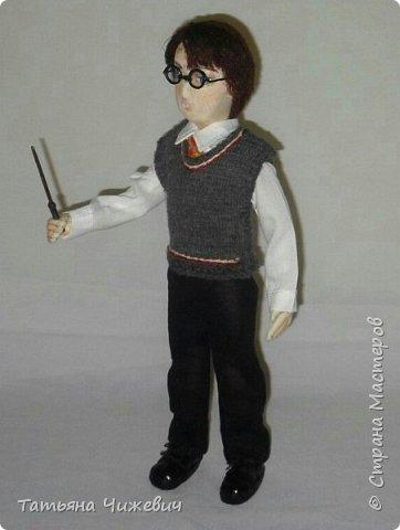 Высота куклы 40 см, ручки и ножки подвижные. В руках проволока,поэтому Гарри может держать палочку.Одежда снимается фото 4