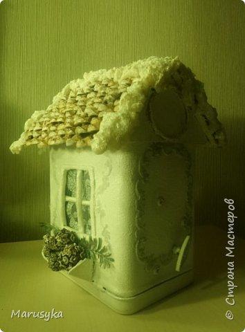 Жестяная банка  от чая, музыкальная. Внутри свеча, на батарейке. фото 2