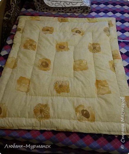 Скоро у меня появится внучка и по такому знаменательному для нас  событию мы с моим котом Златом решили сшить для маленькой девочки красивые одеялки.  Первое - по всем девчачьим правилам  сшилось розовое.   фото 8
