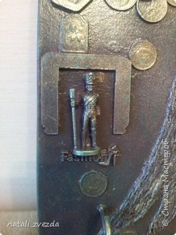Из всего что я сделала за все время, подругу поразили мои ключницы в стиле стимпанк. Ей в подарок приготовила ключницу. фото 3