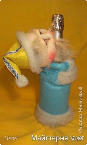 Доброе время суток! Вот  у меня созрел Дед Мороз № 2- Патриот, в виде- декора на бутылку к Новогоднему столу.По МК Семенюк Елены http://stranamasterov.ru/node/665734?c=favorite. За что ей огромное СПАСИБО! фото 3