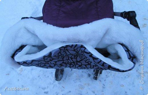 Здравствуйте дорогие мастера и мастерицы. Очень скоро наступит зима и пора утепляться. У нас на улице уже лежит снег, недавно прошел ледяной дождь(в конце МК небольшой фото отчет))) Я мама маленькой дочки по этому всегда гуляю с коляской. И что бы не мерзли руки решила сшить муфту для рук на ручку коляски.  фото 22