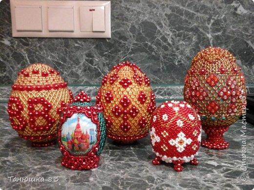 Яйца из бисера.  фото 1