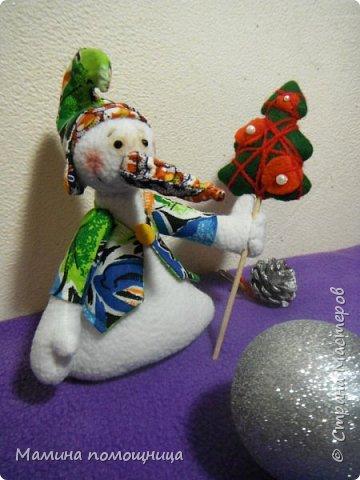 Всем привет! Продолжаю вязать и начала шить новогодние игрушки. Ссылка на предыдущий пост будет в конце. Олененок Марли. Ссылка на МК https://amigurumi-dominoda.blogspot.ru/2015/12/blog-post_25.html фото 5