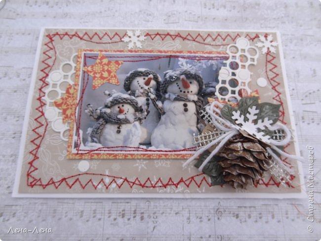 """Ещё в прошлом году начала делать открыточки с этими милыми снеговичками, да что-то замоталась, и они так и остались в недоделках...Сейчас их """"реанимировала"""", к Новому году успевают! Уже настрочила, так настрочила - чего зазря машинку швейную настраивать!)) фото 5"""
