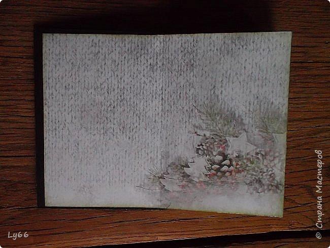 Здравствуйте, мои дорогие рукодельники и рукодельницы! Хочу сегодня показать вам целую серию блокнотов, которые я сделала благодаря обучению в закрытом блоге у Олеси Бариновой https://thesensual.blogspot.com.by. Мы учились имитировать деревяшки, вот теперь показываю свои результаты))) Здесь имитация коры с помощью грубой текстурной пасты с песком. фото 6