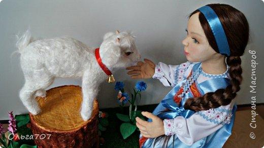 Кукла была сделана в прошлом году  на конкурс. Для изготовления использовала различный материал : капрон, шерсть, фоамиран. фото 2