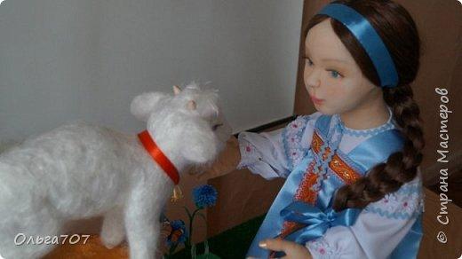 Кукла была сделана в прошлом году  на конкурс. Для изготовления использовала различный материал : капрон, шерсть, фоамиран. фото 3
