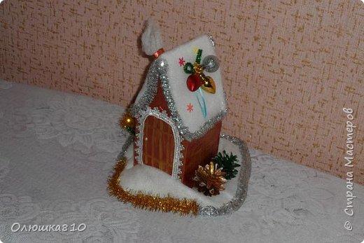 """Здравствуйте! Сегодня с проектом """"Снежный город"""" и рассказом, как сделать домик из подходящей картонной коробки. Вначале фото. На первом фото домик из фанеры. Был у меня небольшой кусочек фанеры 40 на 70 см. Вот что получилось.  фото 10"""