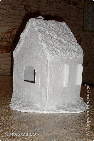 """Здравствуйте! Сегодня с проектом """"Снежный город"""" и рассказом, как сделать домик из подходящей картонной коробки. Вначале фото. На первом фото домик из фанеры. Был у меня небольшой кусочек фанеры 40 на 70 см. Вот что получилось.  фото 26"""