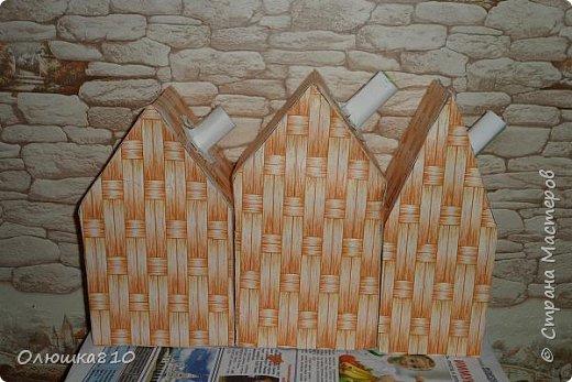 """Здравствуйте! Сегодня с проектом """"Снежный город"""" и рассказом, как сделать домик из подходящей картонной коробки. Вначале фото. На первом фото домик из фанеры. Был у меня небольшой кусочек фанеры 40 на 70 см. Вот что получилось.  фото 19"""