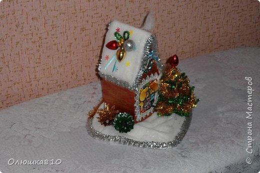 """Здравствуйте! Сегодня с проектом """"Снежный город"""" и рассказом, как сделать домик из подходящей картонной коробки. Вначале фото. На первом фото домик из фанеры. Был у меня небольшой кусочек фанеры 40 на 70 см. Вот что получилось.  фото 8"""