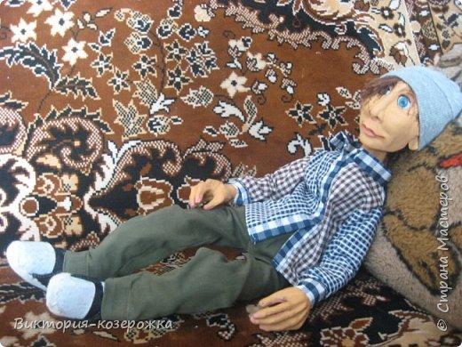 Приветствую вас уважаемые жители прекрасной Страны Мастеров! Как то наверно парочку месяцев назад купила кукольные глазки, которые закрываются и вот, что из этого вышло))))  Появился забавный слегка лохматый очень добрый парень Гошка.Дальше только фото, а текст можно вообразить))))  фото 18