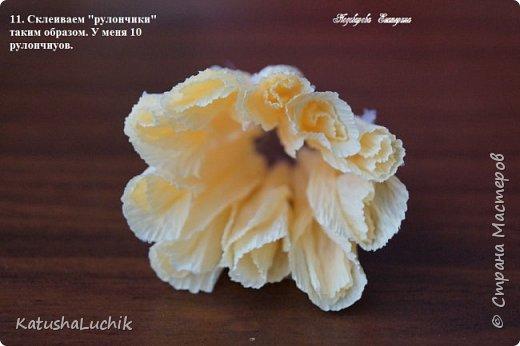 Дорогие мастерицы! Хочу поделиться с вами, как я делала пионовидную розу. На ютубе нашла ролик с мк розы такого типа из фоамирана и адаптировала под свит. Вот что получилось.  фото 12