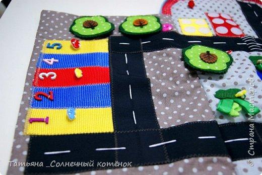 Игровой рюкзачок-коврик для машинок фото 2