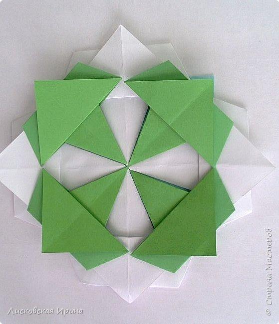 Придумала я самостоятельно новый модуль для мозаики. Если такой уже где-то был, напишите, я исправлю на обычный модуль. На фото этот модуль уже в поделке - Елочка из модулей фото 19