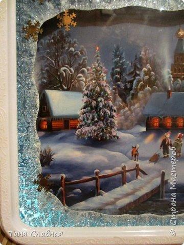 Итак, переделка: двое переделанных под панно часов и пара керамических коробочек. Коробочки и одни переделанные часы вполне себе новогодние - и по настроению и по декору. Первые часы- (вернее, их остов), послужили рамкой для новогоднего панно.  фото 5
