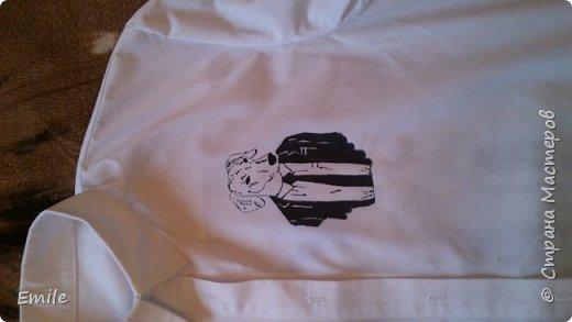 Рубашка мужская, молодежная. Роспись акриловыми красками по ткани и контурные краски по ткани фото 1