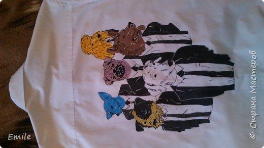 Рубашка мужская, молодежная. Роспись акриловыми красками по ткани и контурные краски по ткани фото 3