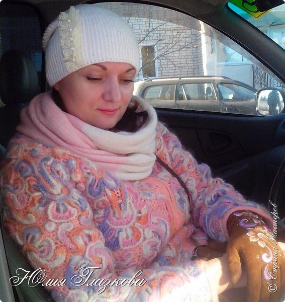 Связалась шапочка  с кружевом к зимнему наряду. фото 1