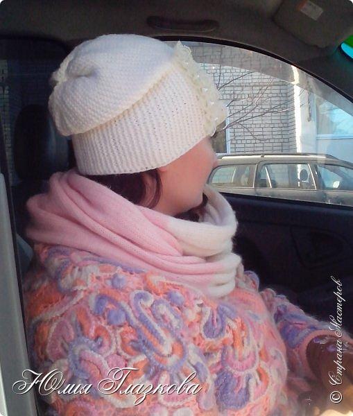 Связалась шапочка  с кружевом к зимнему наряду. фото 3
