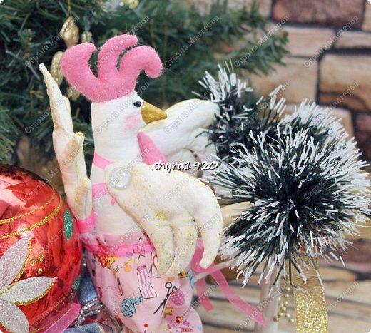 Молодые Петушки так и рвутся в бой, но и на гвоздике с удовольствием повисят и украсят любой дом! фото 9