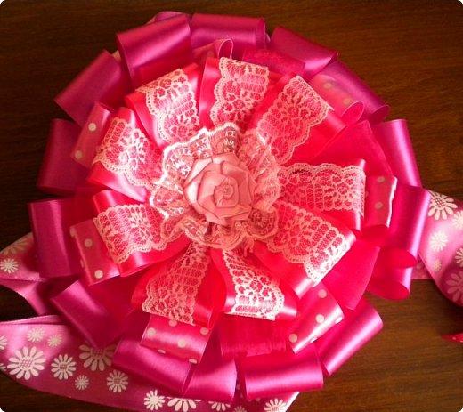 опять сделала розовый бант на выписку. точнее надоело мне делать розовые, остановилась на малиновом фото 2