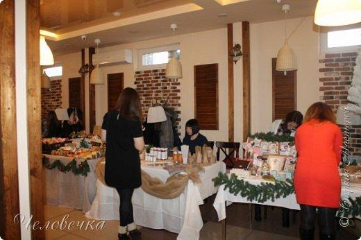 """В нашем городе впервые состоялся семейный фестиваль """"Sova Fest"""". Мы тоже приняли участие с рукодельными товарами и мастер-классами. Немного устали, но очень довольны! Ждём следующего!) Заставляем столики своими творениями... фото 3"""