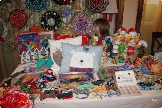 """В нашем городе впервые состоялся семейный фестиваль """"Sova Fest"""". Мы тоже приняли участие с рукодельными товарами и мастер-классами. Немного устали, но очень довольны! Ждём следующего!) Заставляем столики своими творениями... фото 14"""