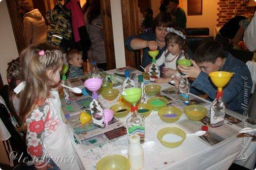 """В нашем городе впервые состоялся семейный фестиваль """"Sova Fest"""". Мы тоже приняли участие с рукодельными товарами и мастер-классами. Немного устали, но очень довольны! Ждём следующего!) Заставляем столики своими творениями... фото 23"""