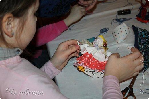 """В нашем городе впервые состоялся семейный фестиваль """"Sova Fest"""". Мы тоже приняли участие с рукодельными товарами и мастер-классами. Немного устали, но очень довольны! Ждём следующего!) Заставляем столики своими творениями... фото 27"""