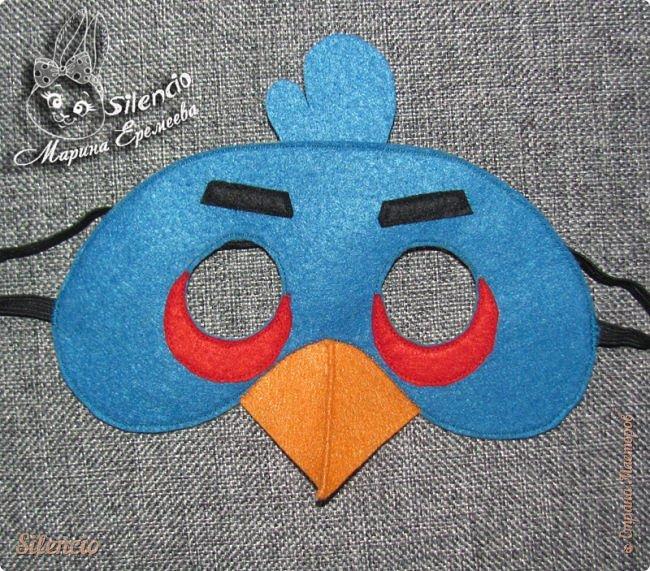 Местный детский развивающий центр (аниматоры которого проводят разные утренники, а также стилизованные дни рождения) заказал мне набор масок Angry Birds. И  так совпало, что я дошила эти маски как раз ко дню рождения нашего Тёмки, который давно заказал себе день рождения в стиле злых птичек. Праздновали мы в этом же центре и первыми испробовали мои масочки))) фото 11