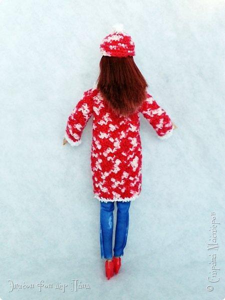 В этом году мы твёрдо решили, что нашим кукложителям нужно во что бы то ни стало организовать тёплый гардероб до наступления зимы. Погода (и не только она) слегка саботировала наши планы - зима к нам пришла раньше на целый месяц. Но по календарю мы всё же успели, и теперь наши ребята могут не бояться морозов))))) фото 4