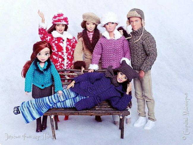В этом году мы твёрдо решили, что нашим кукложителям нужно во что бы то ни стало организовать тёплый гардероб до наступления зимы. Погода (и не только она) слегка саботировала наши планы - зима к нам пришла раньше на целый месяц. Но по календарю мы всё же успели, и теперь наши ребята могут не бояться морозов))))) фото 19