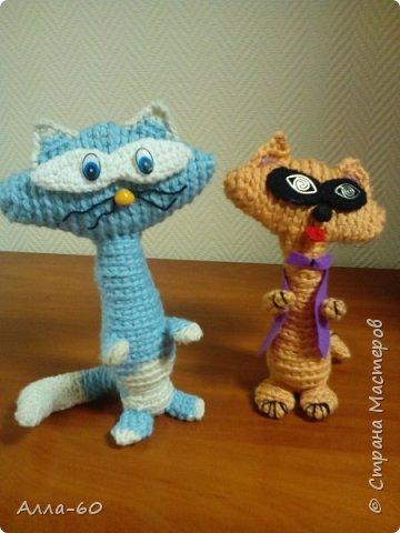 К дню Учителя мы навязали вот такую семейку котов и кошечек!!! фото 3