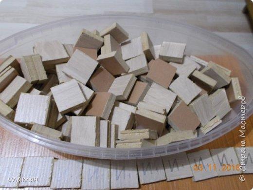 """Предлагаю сделать очень интересную игру """"скрэббл"""" или """" эрудит"""". Для её изготовления мне понадобились остатки от ламината(можно заменить картоном),электро лобзик,наждачная бумага, выжигатель по дереву,картон упаковочный,трафарет букв,канцелярский нож, скотч и клей ПВА фото 2"""
