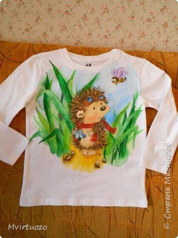 Данные футболочки рисовала для двойняшек-малышей. Заказ был на ежика и совенка - их любимых персонажей  фото 3