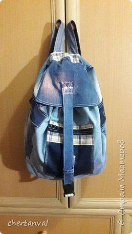 рюкзак шился для поездки в Киев.использованы джинсы 3-х видов и х/б рубашка на подклад фото 2