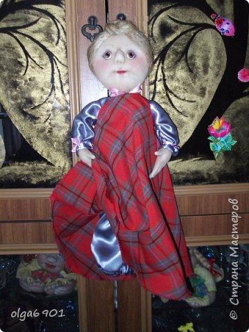 Здравствуйте, дорогие мои жители Страны! Сегодня я к вам с куклами. Знакомьтесь.  Это бабушка с корзинкой - пакетница. фото 3