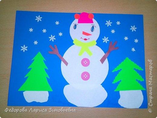 Добрый день всем. Не за горами уже и Новый год. Как всегда в школах с детьми делается очень много поделок на новогоднюю тему. Вот и мы с ребятами тоже начали подготовку к этомк всеми любимому празднику. Этих снеговиков сделали ученики 4 класса. фото 1