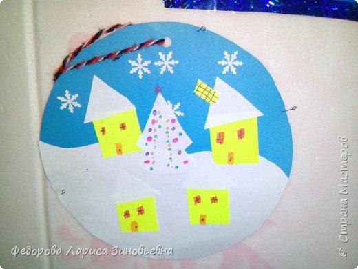 Добрый день всем. Не за горами уже и Новый год. Как всегда в школах с детьми делается очень много поделок на новогоднюю тему. Вот и мы с ребятами тоже начали подготовку к этомк всеми любимому празднику. Этих снеговиков сделали ученики 4 класса. фото 9