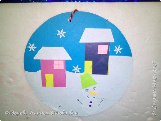 Добрый день всем. Не за горами уже и Новый год. Как всегда в школах с детьми делается очень много поделок на новогоднюю тему. Вот и мы с ребятами тоже начали подготовку к этомк всеми любимому празднику. Этих снеговиков сделали ученики 4 класса. фото 10