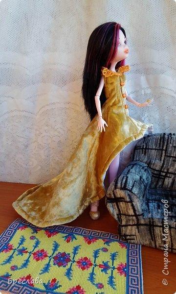 Опять участвовала в игре на сайте Багиры. В этот раз основным подарком было сшитое платье, ибо условием игры было наличие осенних цветов. А зелёный костюмчик в дополнение сплела фото 6