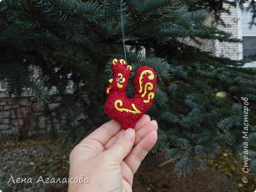 Ну вот и закончены мои Красные петушки, золотые гребешки на ярмарку из ткани, расписаны красками . Все немного разные. фото 1