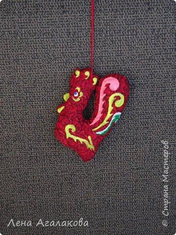 Ну вот и закончены мои Красные петушки, золотые гребешки на ярмарку из ткани, расписаны красками . Все немного разные. фото 3