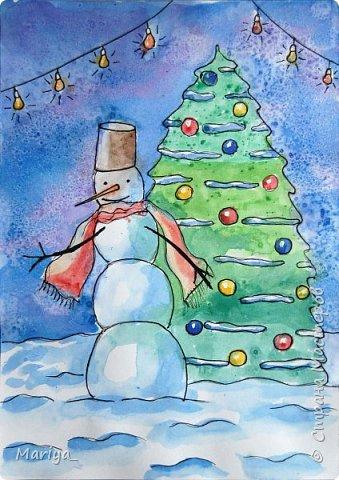 Рисуем открытки на Новый год и Рождество акварелью, линером и солью. Новогодняя ёлка, снеговик. Видео мастер-класс. фото 3